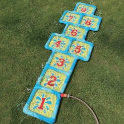 splashing water hop mat